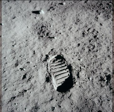 Moon Landings Lost Tapes_HISTORY (7)