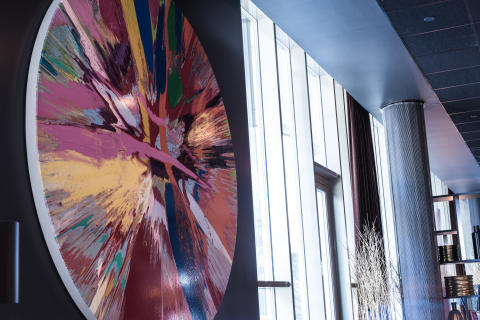 Beautiful Amore kunstverket fra Damien Hirst i Thief Foodbar