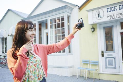 Ta fantastiska semesterbilder med de nya superzoomkamerorna från Sony