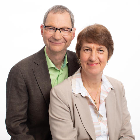 Inbjudan till presentation av boken Ledarskap med bondförnuft av Bengt och Elisabet Falemo