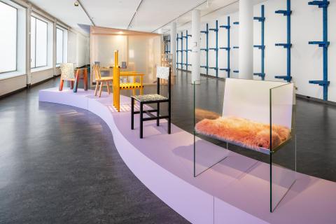 Unmaking Democratic Design: Fredrik Paulsen, översikt stolar och Boden, Röhsska museet