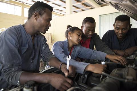 Stor potential för jobbskapande i tjänstesektorn och inom tillverkningsindustrin
