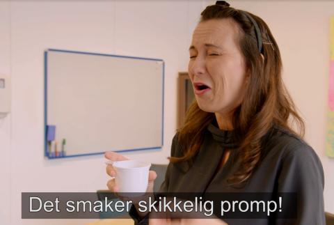Ingunn Heltvedt Amundsen utsetter kolleger og kunder for en stadig verre ånde. Vil noen gi beskjed? Resultatet vises nå i SB12 sin nye kampanje.