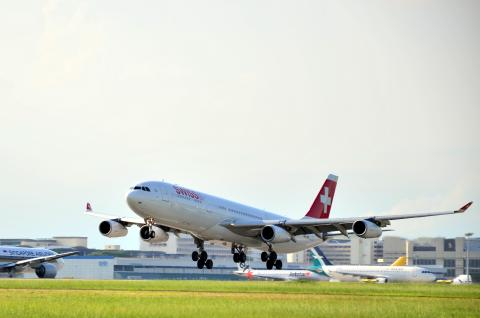 Changi Airport welcomes the return of SWISS