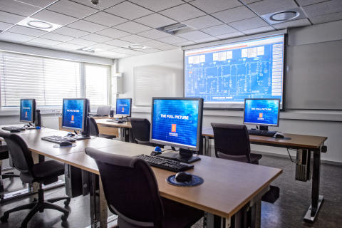 High res image - Kongsberg Maritime - KONGSBERG training centre class rooms
