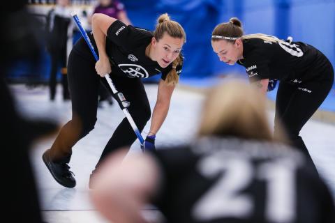 Curling: Hasselborg är Sveriges hopp i slutspelet i SLCC 2016