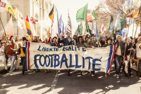 Carlsberg startar supporterrevolution i EM-kampanj med fotbollslegendar