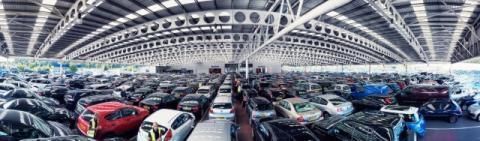 2015 avslutade med mycket stark försäljningen av begagnade personbilar. Ökningen var 5,5 % i december