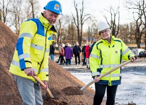 Historisk fjärrvärmeledning invigs idag. Nu kan värmen flöda mellan Trollhättan och Vänersborg