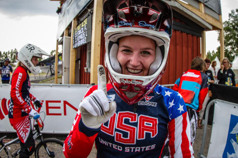 Alise Post efter segern i UCI BMX Supercross World Cup.