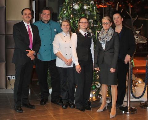 Doppelerfolg beim AccorHotels Azubi Award: Ein erster und ein dritter Platz für das Novotel München Airport