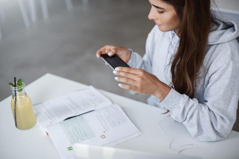 Ifolorin tutkimus: arjen kuvaaminen on uusi iso ilmiö – kännykkäkuvia käytetään yhä enemmän myös muistilappuina
