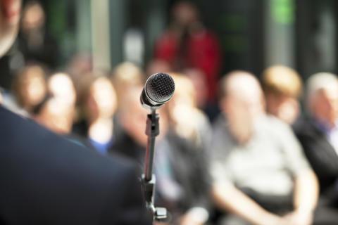 Politiska initiativ för ungdomsjobb överskuggas av orimlig kostnadsökning