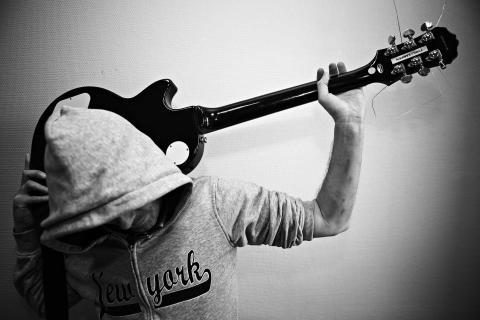«Bo» deltar på musikkterapitilbudet på Tyrili Kampen