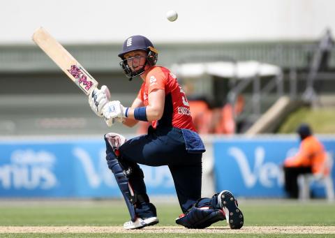 England Women Beat Australia In Super Over