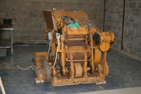 Operation hippolamp tobacco machinery pic3
