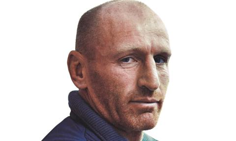 Rugby legend Gareth Thomas calls on runners to join the resolution in Edinburgh
