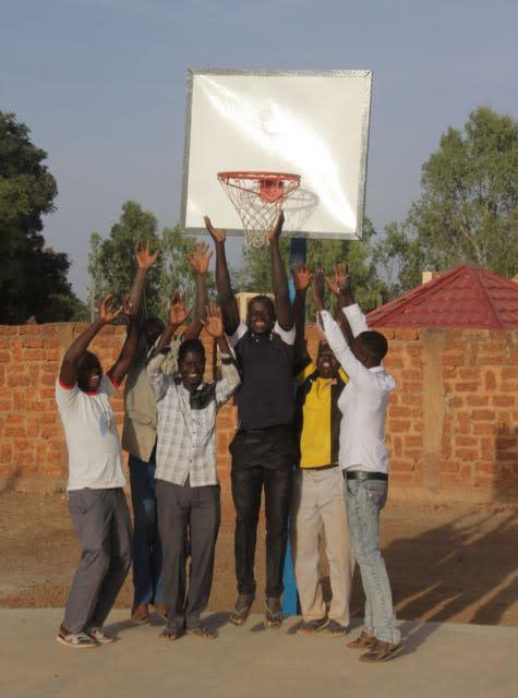 Vill du vara med och förverkliga drömmar? Stöd ungdomarna i Nakamtenga i deras engagemang!