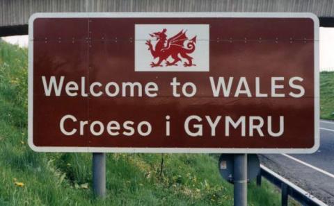 BT yw'r cwmni sector preifat cyntaf i gofrestru ar gyfer 'Cymraeg Gwaith'