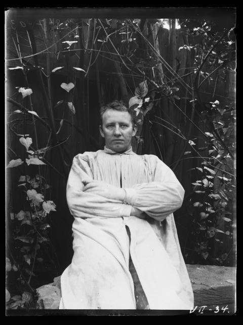 Gustav Vigeland in his studio in Hammersborg, 1903. / Gustav Vigeland i sitt studio, Hammersborg, 1903.