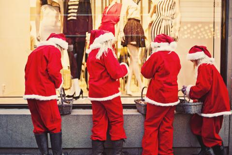 Tomtenissarna laddar upp inför Bibliotekstans jul