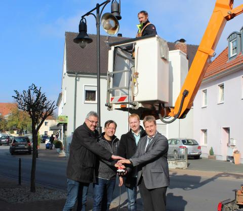 Adelsdorf leuchtet umweltfreundlich