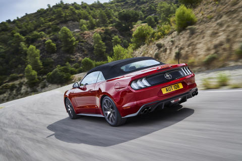 FORD_2019_MUSTANG_2.3_04