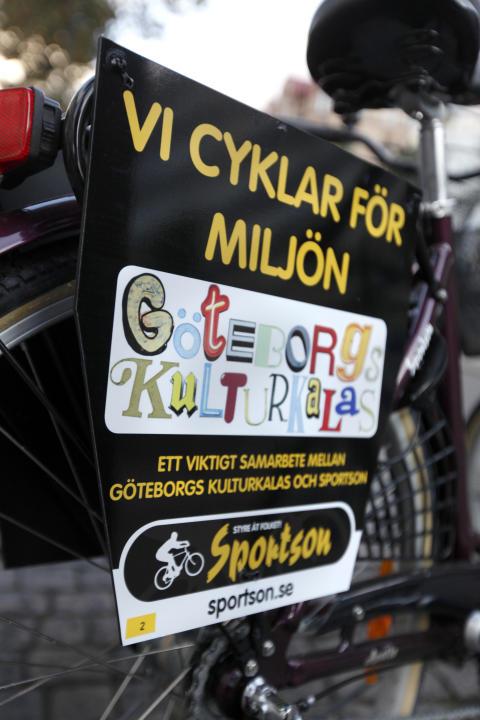 Sportson smygstartar Kulturkalaset med cykelinstallation på Stadsbiblioteket