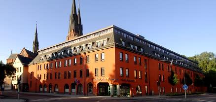 Civilministern besöker Svenska kyrkan