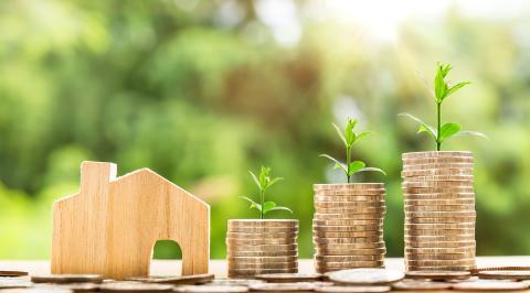 Uppskov med skatt vid fastighetsförsäljning – vad gäller?