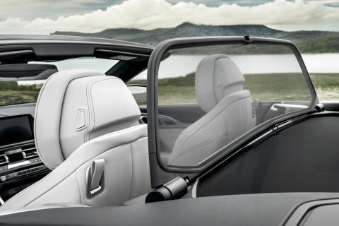 BMW 8-sarjan Cabrio, ilmanohjain