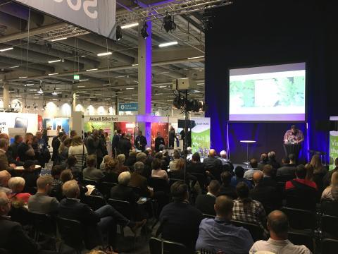 Så lätt är det att hacka ett bankkonto - IT-säkerhets experten Anders Nilsson drog stor publik på mässa i Malmö