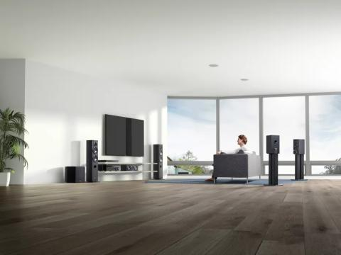 Гледайте и слушайте с най-високо качество с новите Sony 4K Ultra HD Blue-ray плейър, компактен саундбар  с Dolby Atmos® и AV приемник с обектно-базирана аудио технология