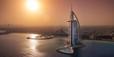 Kelluva luksussaari avattu Dubaissa – Swecon ratkaisulla aikaansaatiin merkittävät kustannus- ja aikataulusäästöt