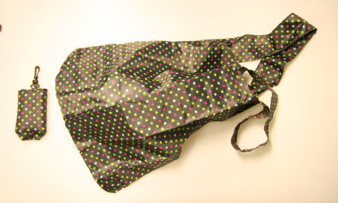 Prickig kasse i polyester