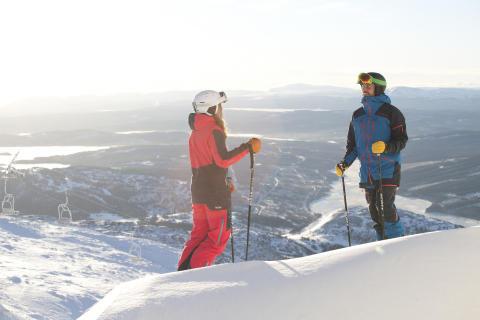 Åre - To skiløbere på toppen