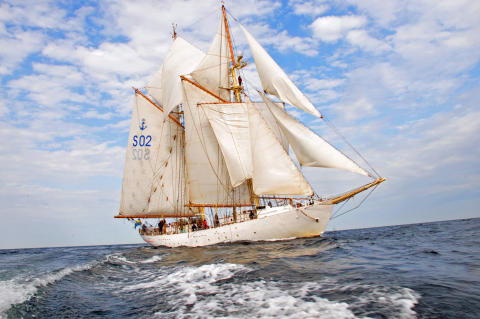 Elever ska segla med Försvarsmaktens fartyg