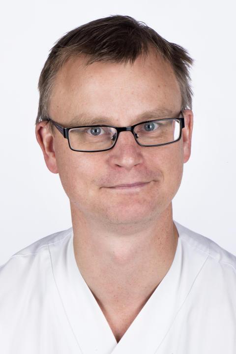 Infektionsläkare Magnus Hedenstierna, medicinskt ansvarig för Infektionskliniken Danderyds sjukhus