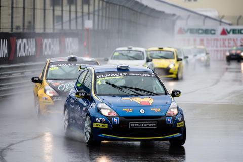 Wernersson på väg mot seger i andra Clio Cup-heatet i Göteborg