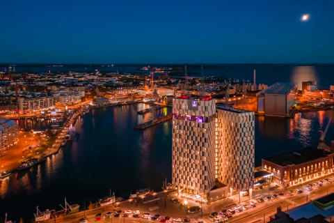 THIS YEAR'S FORECAST: 100% WINNING! Clarion Hotel Helsinki voted as the Finland's Leading Business Hotel 2019 in World Travel Awards