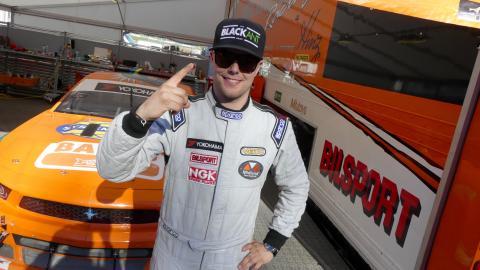 Andreas Ahlberg snabbast i stort V8 Thunder Cars-fält