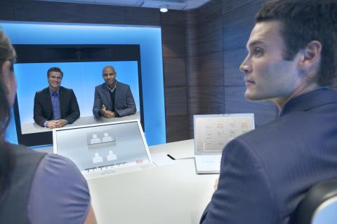 TANDBERG först ut att demonstrera treskärms telepresence-interoperabilitet med Cisco TelePresence