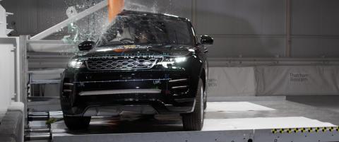 Range Rover Evoque Pole crash test April 2019