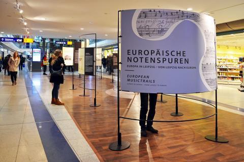 """Blick in die Ausstellung """"Europäische Notenspuren"""""""