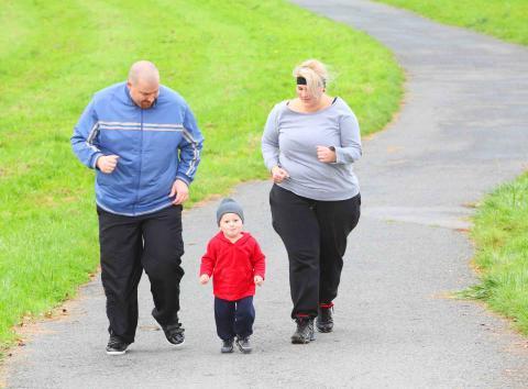 En timmas motion per vecka – effektivare än kaloriräkning för kraftigt överviktiga