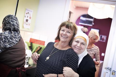 Christina Merker-Siesjö, Tagrid El Ali (och Eva Yzdebeska i bakgrunden till höger)