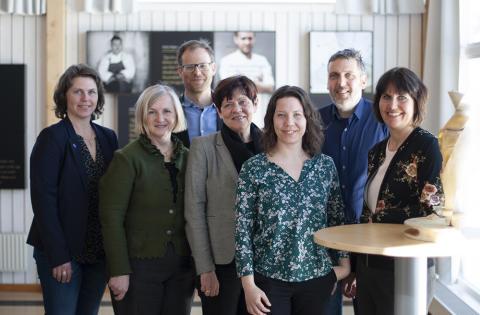 Kampradmiljoner finansierar ostprojekt och besöker Burträsk mejeri