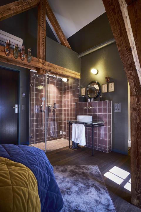 Shower in guest room at Spedition Hotel & Restaurant, Thun, Switzerland - design by Stylt