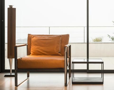 Monaco Lounge chair + table 2