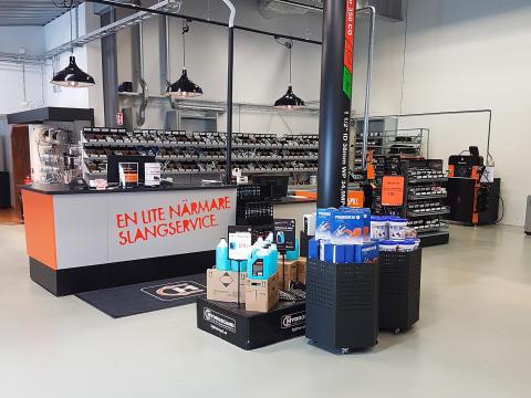 Invigning av den nya slangservicebutiken i Nässjö